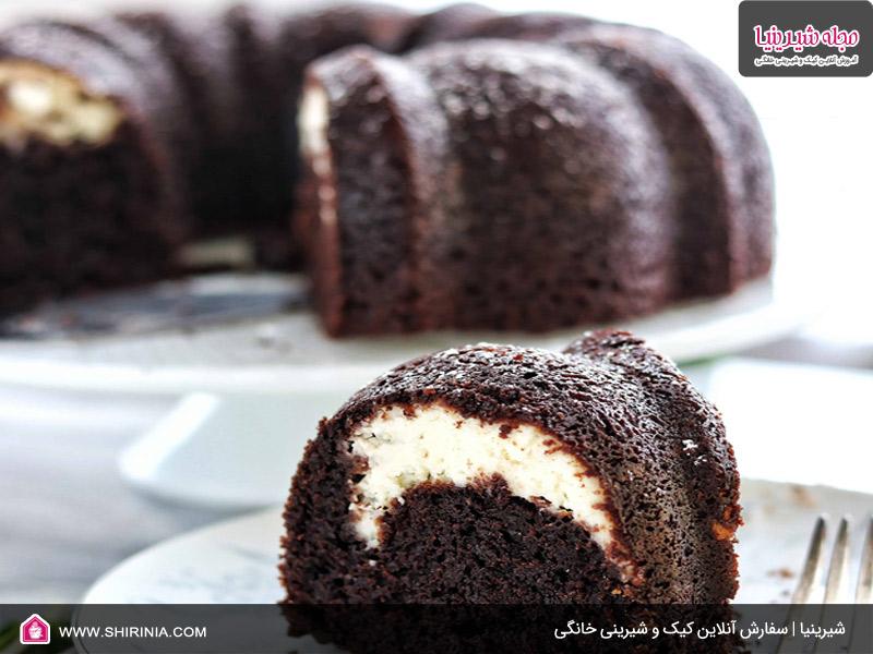 طرز تهیه کیک شکلاتی با فیلینگ کرمفیل شیر خانگی
